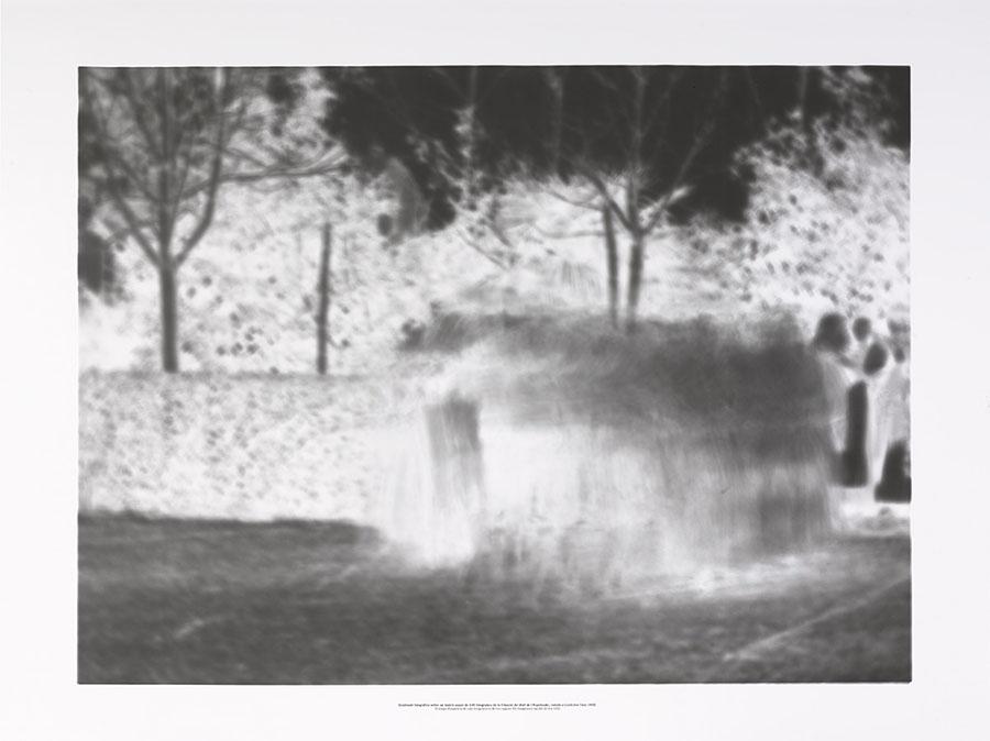 Impressió fotogràfica sobre un mateix paper de 140 fotogrames de la filmació del Ball de l´Espolsada, rodada a Cardedeu l´any 1902, 2015