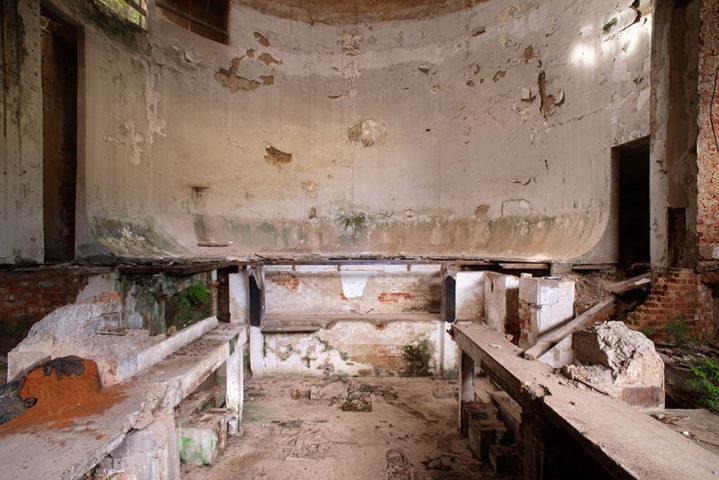 Ruínas do antigo cassino da Urca, no Rio, em fotografia de Caio Reisewitz